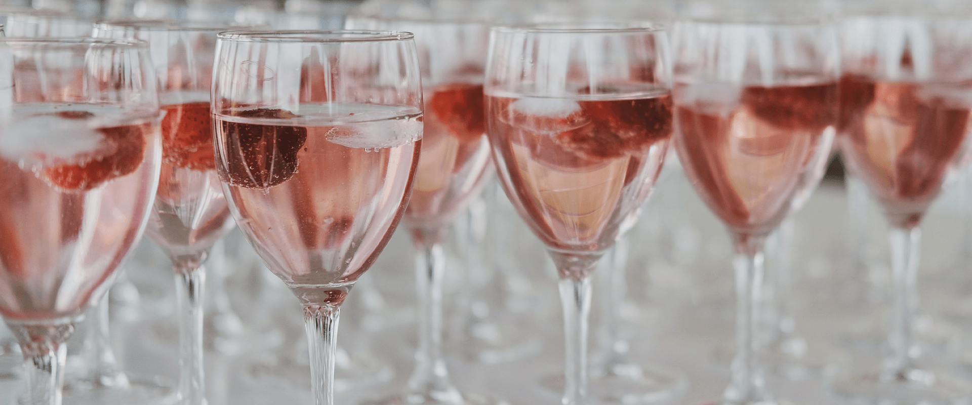 5 reasons why Rosé is the perfect wine to enjoy year round
